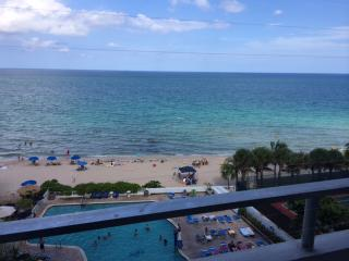 Ocean Front With Balcony Completely Renovated!, Fort Lauderdale