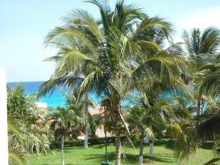 Remodeled OceanView Studio in Hotel Zone, Cancun