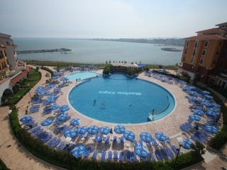 Apartment in Marina Cape Resort on the beach, Aheloy