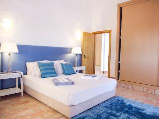 Aretorta Brand New Villa with private Heating pool, Olhao