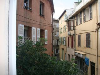 Nice studio in the heart of Old Antibes