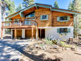 Bavarian Alpine home with hot tub and beautiful lake views!, Tahoe City