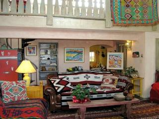 Romantic Guest House Nestled in the Heart of Taos
