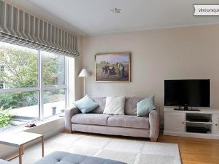 Modern and immaculate. 3 bed 2 bath, Belsize Avenue, Londres