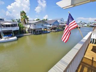 Canal front in Jamaica Beach - bring your boat!, Galveston