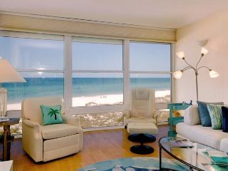 Gulf View: 2BR Beachfront Condo with Amazing View, Holmes Beach