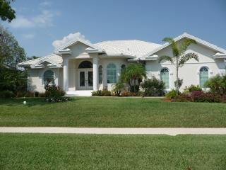 Dream House on Marco, Pool, Spa, Boat Dock, Water View!!!, Marco Island