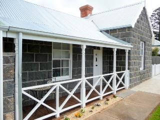 Candlestick Cottage, Warrnambool