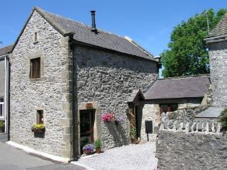CURLEW COTTAGE, Tideswell