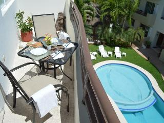 NICE PH 2 BDRM, BOOK 6 NIGHTS GET THE 7th FREE!, Playa del Carmen