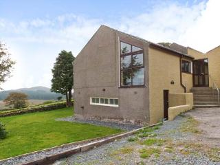 VALLEY VIEW, barn conversion, all ground floor, en-suite, pool table, parking, garden, in Broughton-in-Furness, Ref 26404