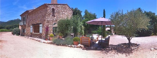 Bastide 1 gardens and outdoor lounging areas