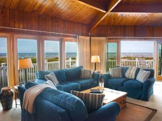 Ocean Glory: Panoramic Views, Beachfront Cottage, Fernandina Beach
