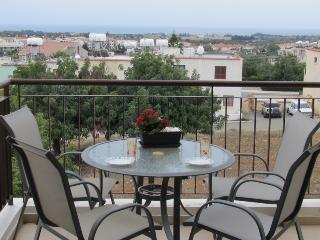 1bedroom flat with seaview and communal pool, Mazotos