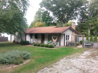 Clean, Cozy Harbor Country Cottage, Great Value, Harbert