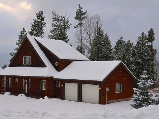 Upscale Cabin in the RIDGE! 3BD,Slps 9|Hot Tub, WiFi | Fall Discounts!!, Ronald