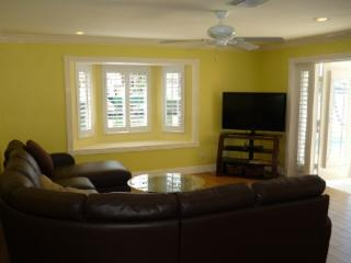 Spacious and updated waterfront home located on large bay, Marco Island