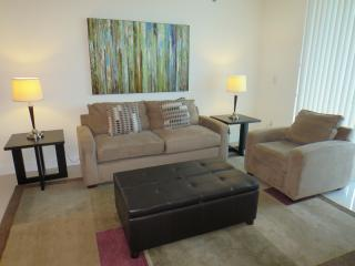 Lux 2BR Brickell Apt w/FREE Parking, Miami