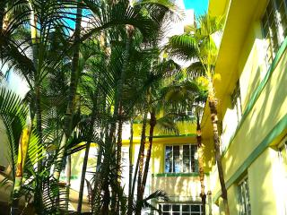 OCEAN DRIVE SOUTH BEACH CONDO, Miami Beach