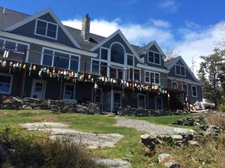 Waterfront luxury home in Georgetown Maine