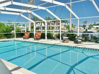Waterfront house w/ view of yacht club & direct access to the Gulf of Mexico, Marco Island