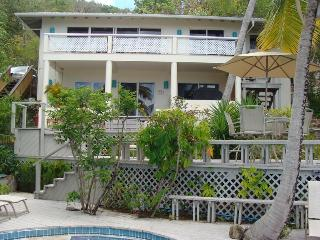 Drake's 3 Bedroom at Virgin Gorda - Easy Access To Beach, Pool