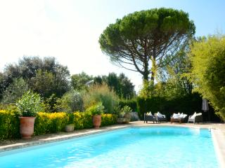 Characterful Villa With Pool In Montpellier