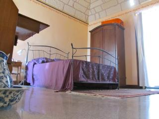Cozy Apartment between sea and olives in Salento, Soleto