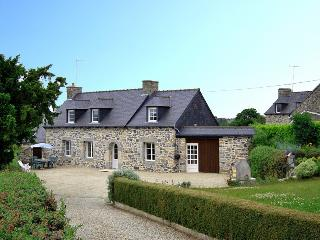 2012 Brittany cottage in country setting, Saint-Brieuc