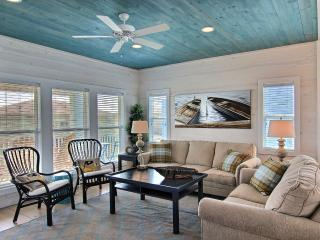 Brew Lagoon, new 5 bd home with private pool, Port Aransas