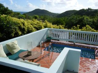 Great Value Hillside Apartment W/ Private Pool and, Cap Estate