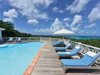 SPECIAL OFFER: St. Martin Villa 299 From Any Vantage Point Along The Lengthy Sea-facing Deck You Feel Like You're On Top Of The World., Terres Basses