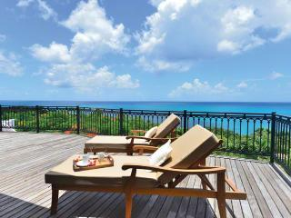 SPECIAL OFFER: St. Martin Villa 300 From Any Vantage Point Along The Lengthy Sea-facing Deck You Feel Like You're On Top Of The World., Terres Basses