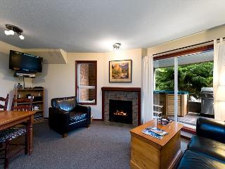 69 Glaciers Reach this 2br home has a hot tub & pool in Whistler Village