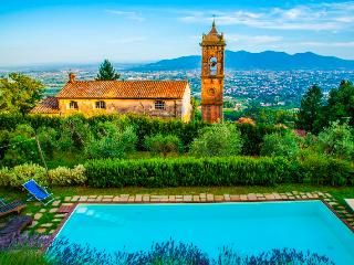 Cottage Emilia, amazing panorama and private pool and garden. The real tuscany dream, Lucca