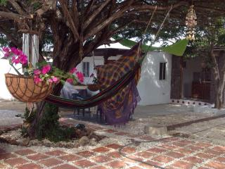 Beautiful Apartment on Private Beach with Zen Grdn, Pos Chiquito