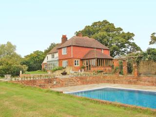 Luxury Country House with Swimming Pool and Tennis, Ashford