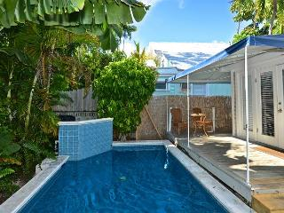 Poolside Retreat - 1 Block To Duval St. - Shared Pool, Key West