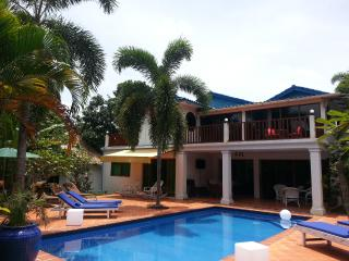 Rose Villa Double bed Pool & Wifi, Sihanoukville
