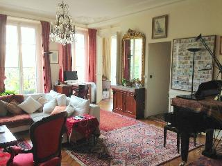 Charming appt ideal for 2 couples, Antibes