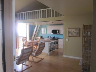 OCEANVIEW - QUIET, NEWLY REMODELED, Makaha
