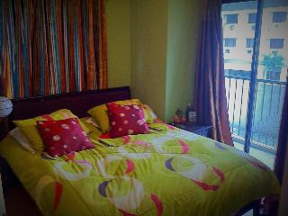 Elegantly Furnished 1BD with Poolview  at Fort, Taguig City