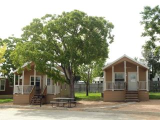 Affordable New Braunfels Cottage w/ Loft Sleeps 8