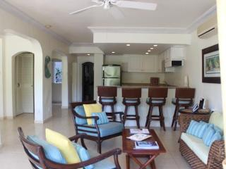 Lovely 3 bedroom apartment with spacious balcony which overlooks the gorgeous gardens surrounding Barbados 313, St. James