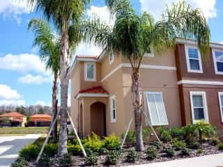 Luxurious Home with a Hot Tub at Bella Vida Resort, Kissimmee
