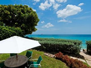 Classic, beachfront bliss, 4 bedroom villa with stunning sunsets, Trents