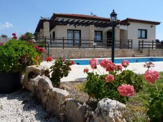Country Side with Amazing Sea view.Villa Adonis, Kissonerga