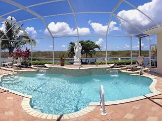 Boat dock access-Sophisticated 3 bedroom vacation rental-Private pool-Pet friendly-Beautiful views, Matlacha