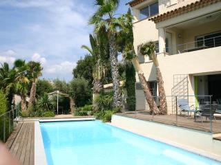 Large House with Pool in the Heart of Ste Maxime, Sainte-Maxime