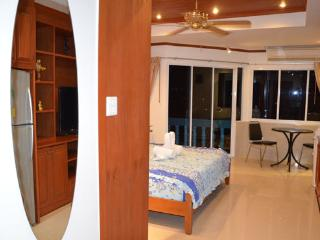 Beautiful apartment (739 )in the  centre Jomtien,, Na Chom Thian